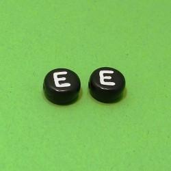 Písmenka čierne E