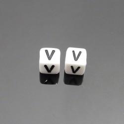 Biele kocky 6x6mm písmeno V